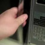 黒iPodを『驚きの白さ』に漂白する仰天ハック
