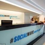 世界初のTwitterのホテルが登場!注文は全部ツイート