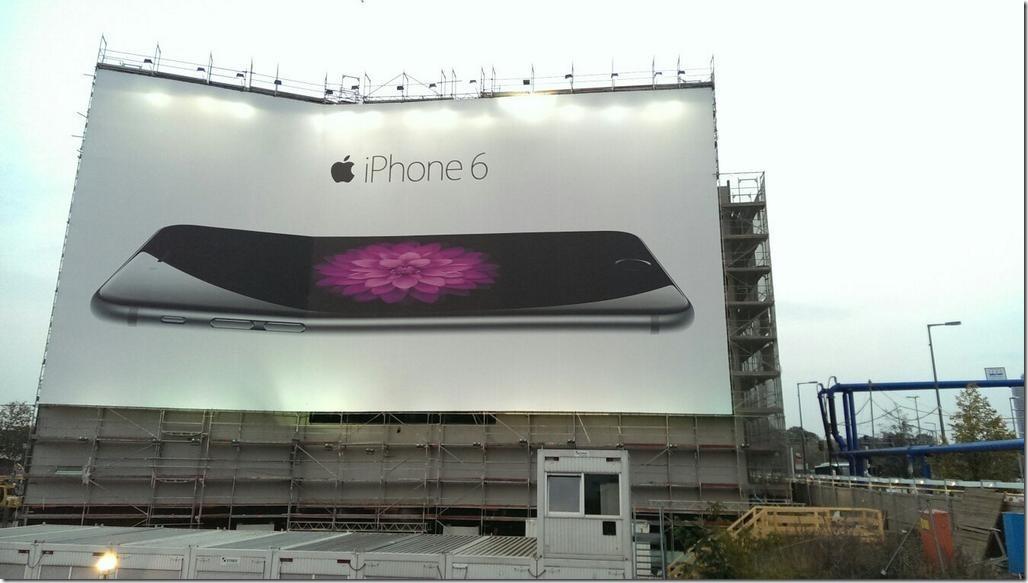 ベルリンにある「iPhone6」の広告があまりに自虐的過ぎると話題に 2b001dbe thumb