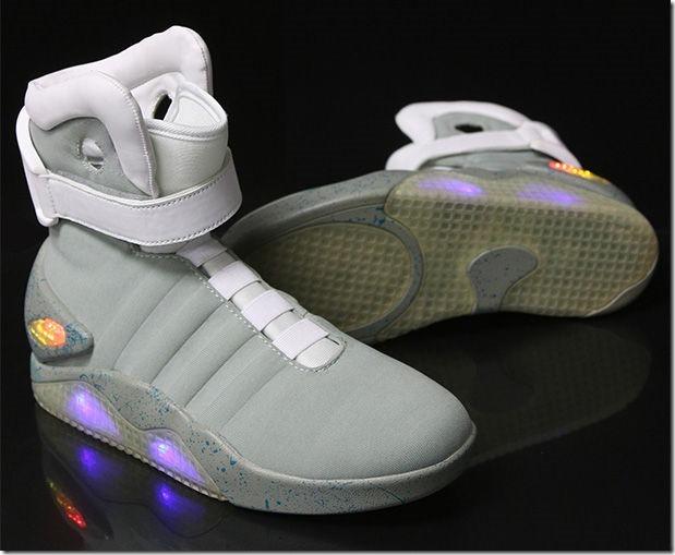 「バック・トゥ・ザ・フューチャー2」のあの靴が格安で販売することが判明! 4c530614 thumb