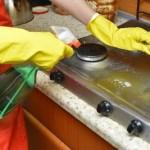 重曹でシミや傷を付けずに上手に壁の油よごれを落とすコツ