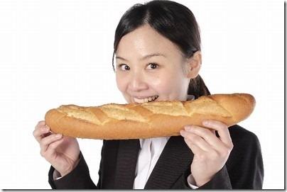 ブーランジェリートーストの1m超ロングソーセージパン!モヤさまで話題!