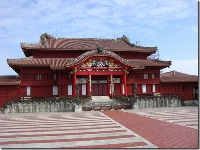 琉球王国のグスク及び関連遺産群へのアクセス方法やグルメスポットは?