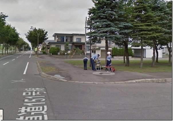 【悲報】Googleストリートビューカーが警察に誘導される様子がストリートビューに掲載される 0564152c s thumb