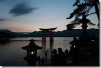 世界遺産厳島神社へのアクセス方法やグルメスポットは?3