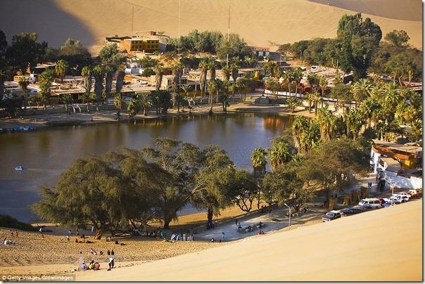 ペルーで最も乾燥した地域にある「砂漠のオアシス」があまりにも異次元過ぎると話題に b3431c61 s thumb