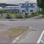 【悲報】Googleストリートビューカーが警察に誘導される様子がストリートビューに掲載される