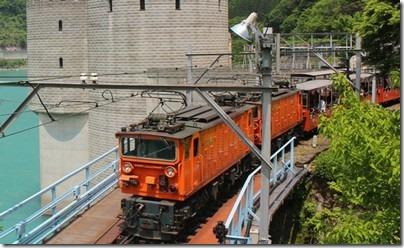 黒部渓谷にはトロッコ電車がオススメ!パノラマ展望ツアーの内容は?