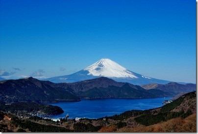 世界遺産富士山へのアクセス方法やグルメスポットは?