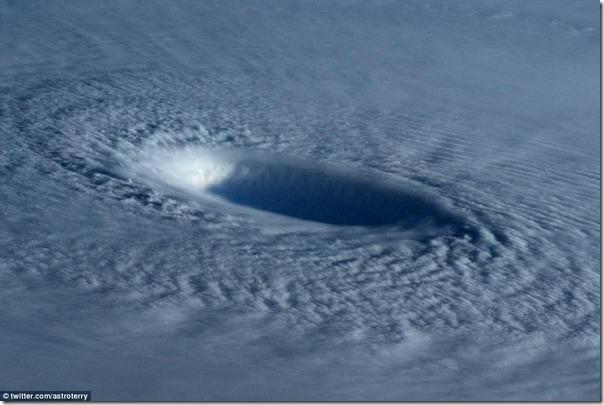 【2015】 台風4号の進路は?米軍JTWCによる日本への影響予想!フィリピン壊滅?! 2278b857 s thumb1